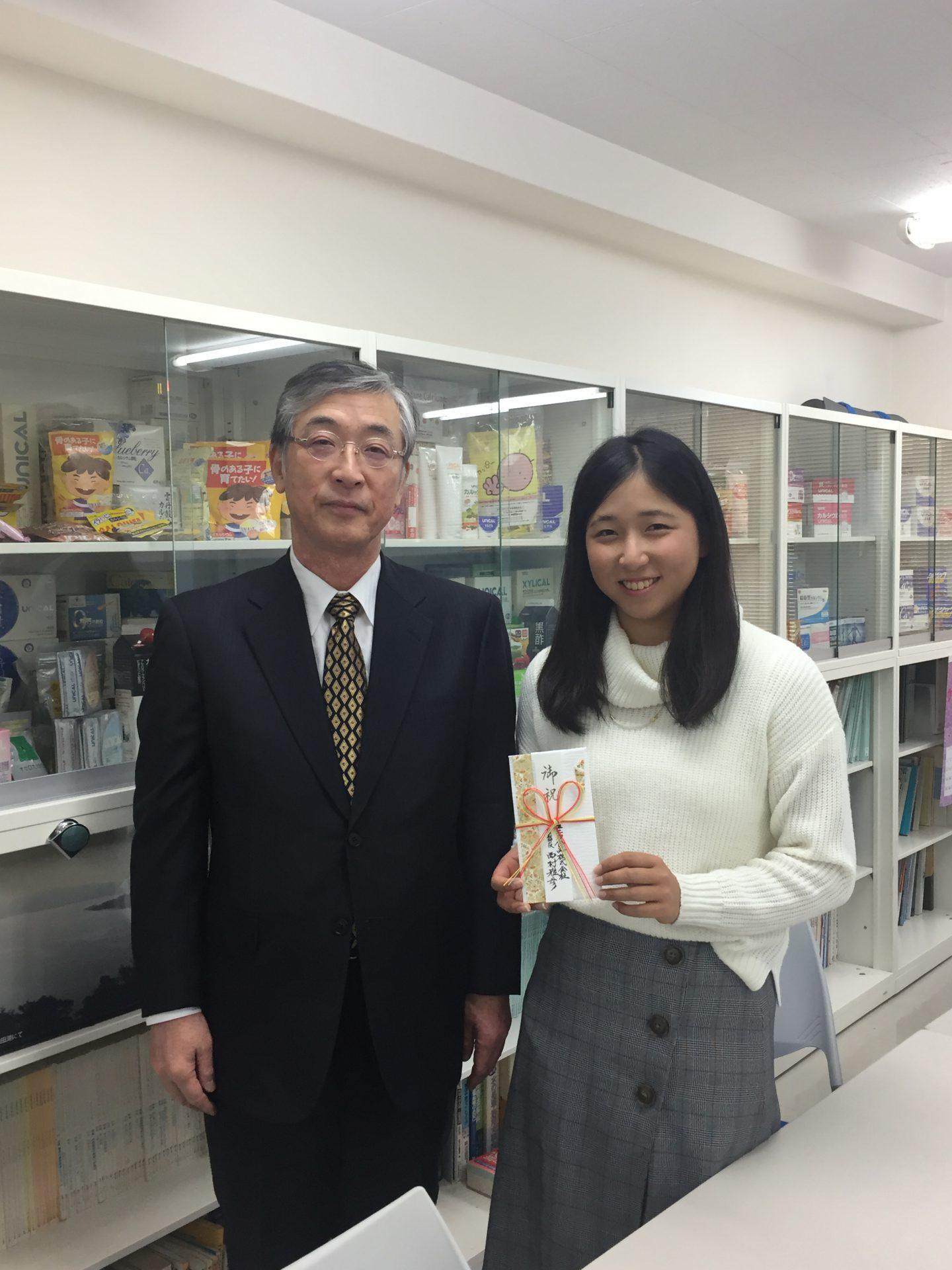 女子プロテニスプレーヤー・清水綾乃選手がユニカ食品に来社いたしました!